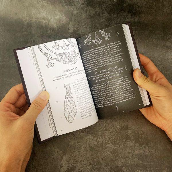 Sách hướng dẫn lớn Oriens Tarot